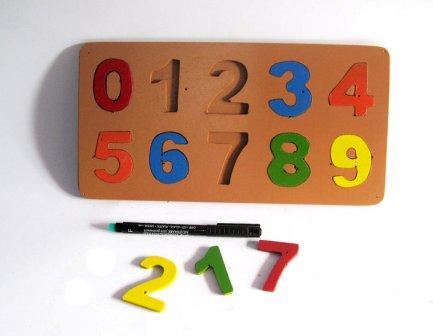 puzzle angka dari kayu
