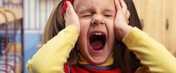 mengenal tantrum pada anak-min